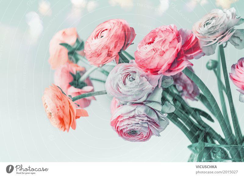 Blumen auf hellblauem Hintergrund Natur Pflanze Sommer Liebe Stil Feste & Feiern Design rosa Dekoration & Verzierung Geburtstag weich Hochzeit Rose Blumenstrauß