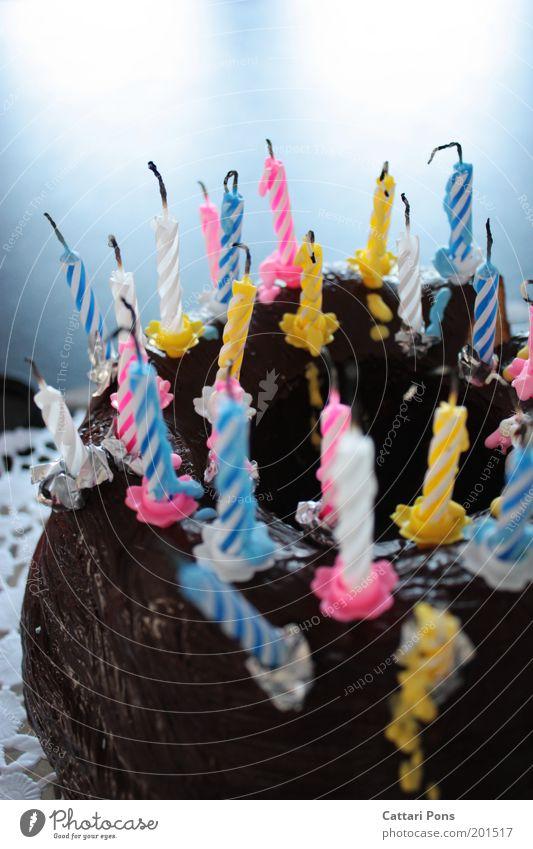 Birthday weiß blau gelb Glück Lebensmittel rosa Geburtstag Fröhlichkeit Kerze Torte Kuchen lecker Süßwaren Lebensfreude Schokolade Backwaren