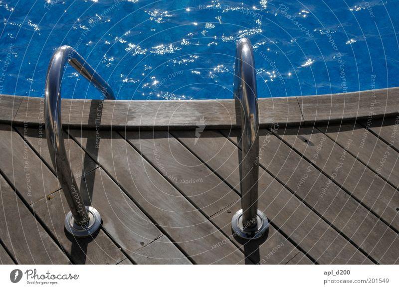 in to the blue Wasser blau Sommer Ferien & Urlaub & Reisen Erholung Glück träumen braun ästhetisch Coolness Wellness Schwimmbad Freizeit & Hobby Leiter
