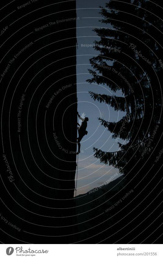 Klettern Mensch Mann Natur Freude Erwachsene Umwelt Sport Landschaft Berge u. Gebirge Bewegung Felsen Seil ästhetisch außergewöhnlich Coolness Ziel