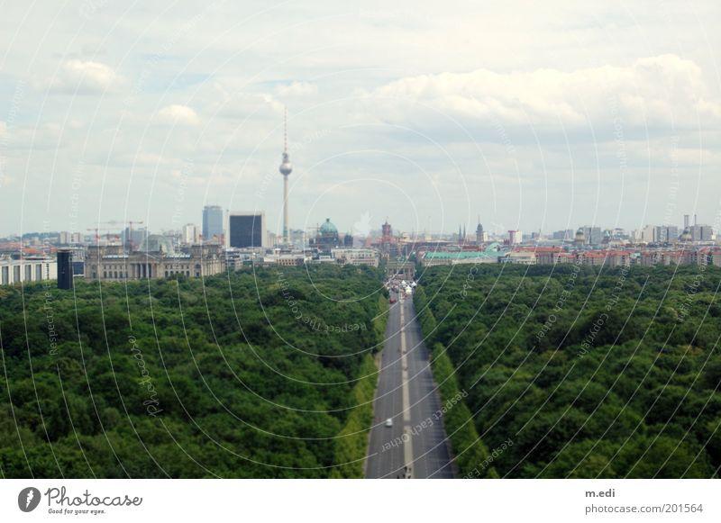 berlinmini Berlin Berliner Fernsehturm Berlin-Mitte Tiergarten Brandenburger Tor Straße des 17. Juni Deutscher Bundestag Wolken Himmel Park Panorama (Aussicht)