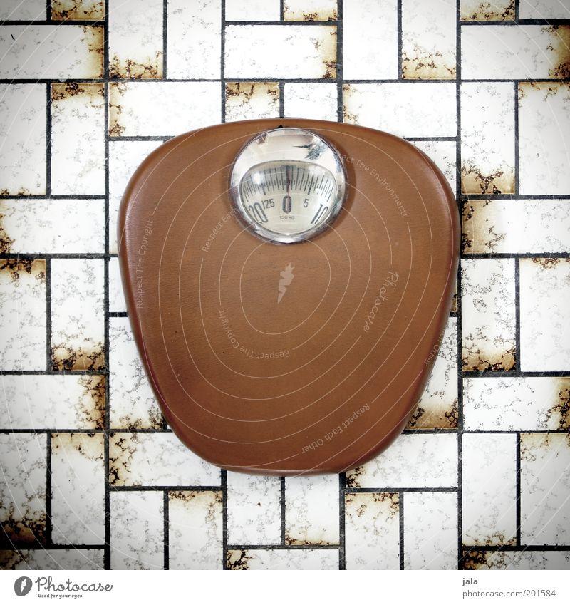 musterdiät weiß braun retro Übergewicht Fliesen u. Kacheln analog Kontrolle Gewicht Anzeige Waage altmodisch Skala Kilogramm Gewichtsprobleme mechanisch