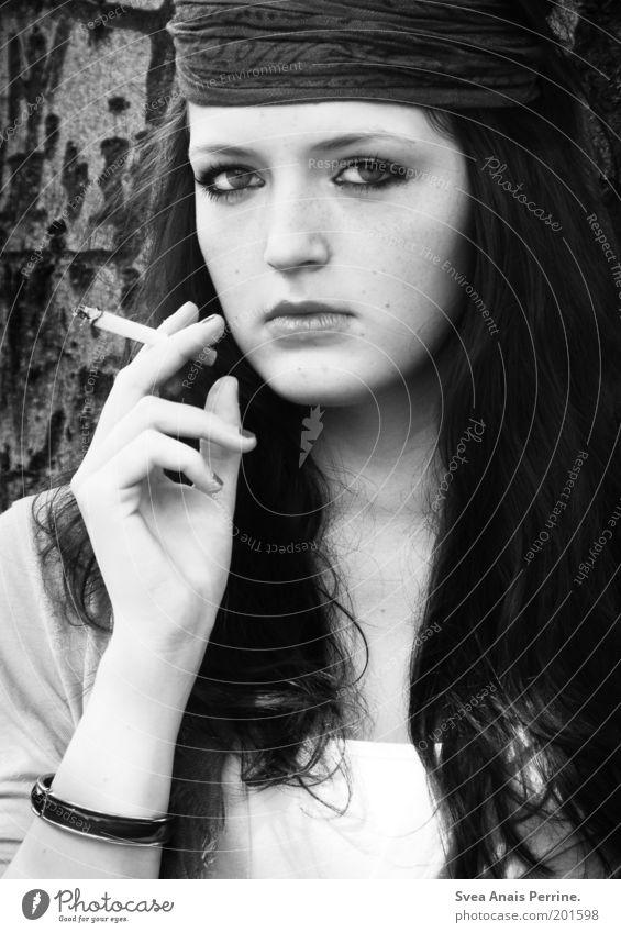 hanna. Mensch Natur Jugendliche Hand schön Baum Erwachsene Auge feminin kalt Haare & Frisuren Stil Mode elegant Lifestyle Coolness
