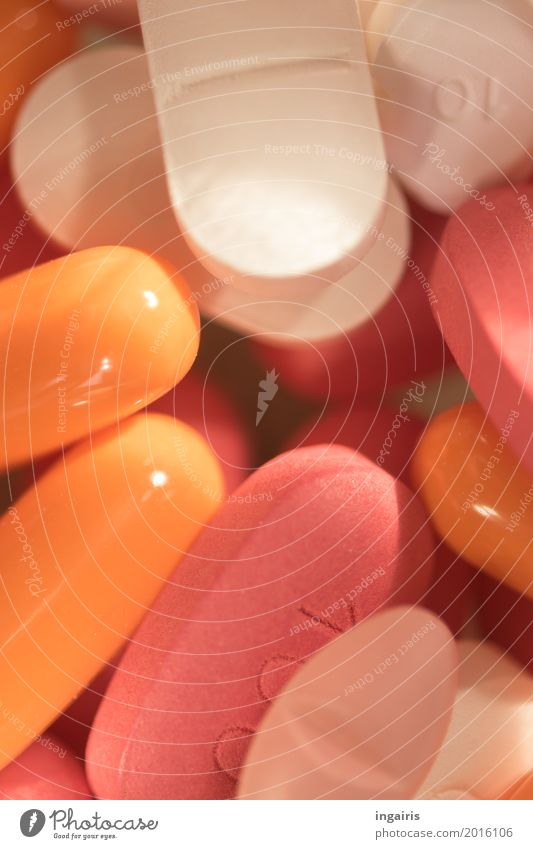Pills Gesundheit Gesundheitswesen Behandlung Krankheit Medikament Wohlgefühl leuchten klein mehrfarbig orange rosa weiß Senior Schmerz Abhängigkeit Therapie