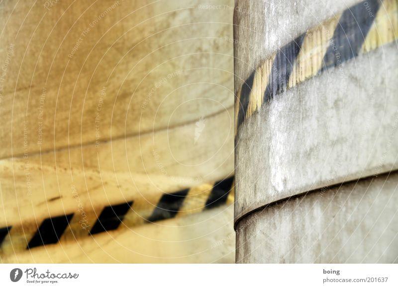 Happyland LKW-Plane Kunststoff Schilder & Markierungen gelb schwarz Wellenform Gedeckte Farben Menschenleer Abdeckung Bildausschnitt Warnstreifen