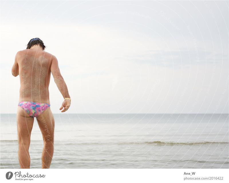 JUST Mensch Ferien & Urlaub & Reisen Mann Wasser Meer Strand Erwachsene Lifestyle Küste Mode Tourismus Schwimmen & Baden Sand rosa Freizeit & Hobby Ausflug