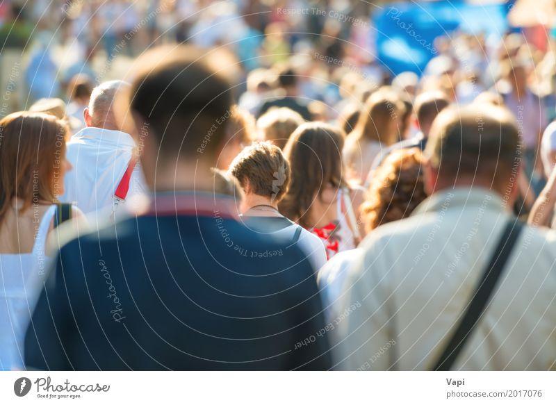 Masse der Leute, die auf eine Straße gehen Lifestyle kaufen Leben Ferien & Urlaub & Reisen Tourismus Städtereise Sommer Arbeit & Erwerbstätigkeit Arbeitsplatz