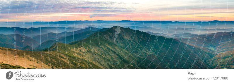 Panorama von grünen Bergen und von Hügeln über drastischem Sonnenuntergang schön Ferien & Urlaub & Reisen Tourismus Ausflug Abenteuer Ferne Freiheit Sommer