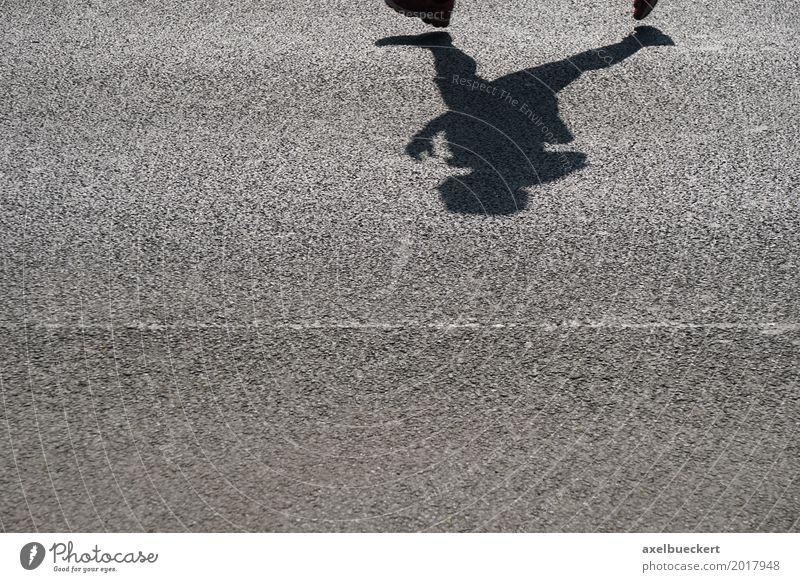 Schattenläufer Lifestyle Leben Fitness Sport-Training Leichtathletik Sportler Sportveranstaltung Joggen Mensch Fuß 1 Straße Schuhe Jogger Marathon Asphalt