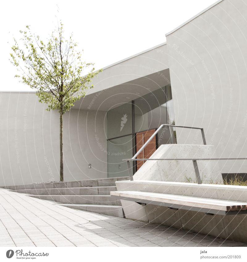 architektonisch reizvoll Himmel Baum Haus Wand Fenster Mauer Gebäude hell Architektur Tür Treppe modern ästhetisch Bank Bauwerk