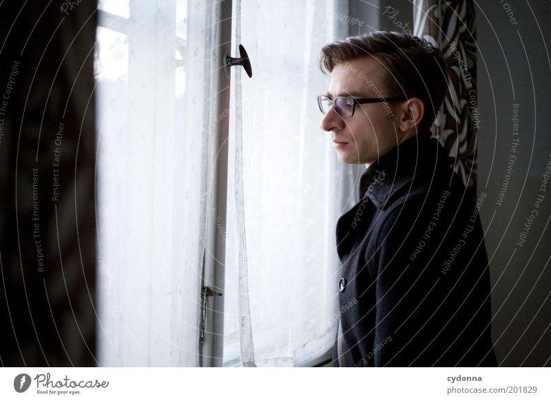 [HAL] Vergessene Erinnerungen I Mensch Mann Jugendliche ruhig Einsamkeit Leben Erholung Stil Fenster träumen Traurigkeit Raum warten Erwachsene elegant Zeit