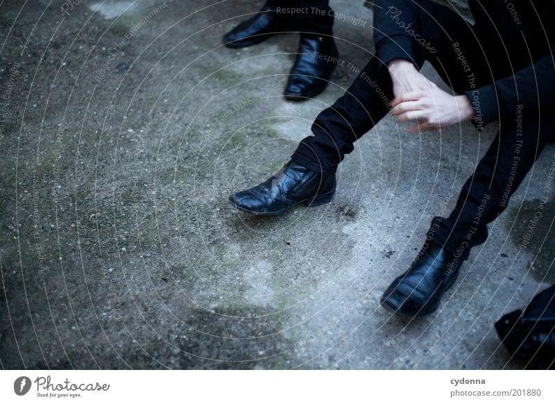 [HAL] Warten Mensch Mann Hand ruhig schwarz Stil Menschengruppe Denken warten Erwachsene Zeit sitzen modern Pause Gelassenheit