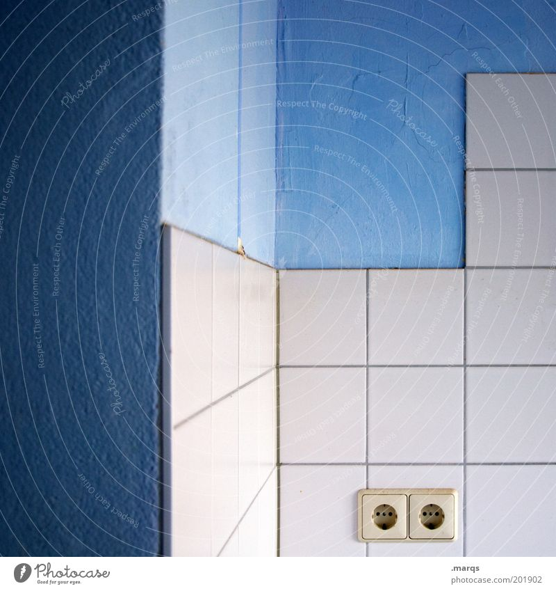 Anschluss finden weiß blau Farbe Linie Wohnung Design Lifestyle Perspektive Energiewirtschaft Ecke Bad Küche Sauberkeit Häusliches Leben Innenarchitektur