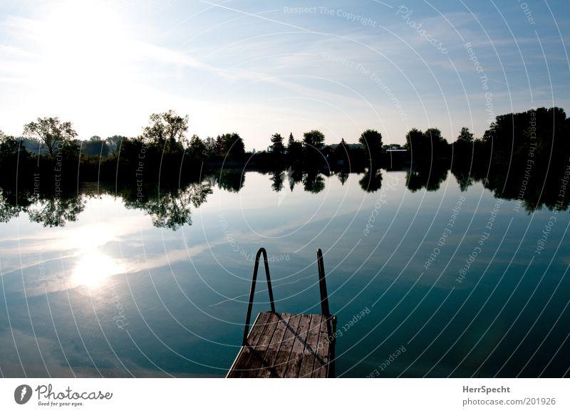 """""""Es lächelt der See..."""" Umwelt Natur Landschaft Himmel Wolken Sonne Frühling Sommer Seeufer Teich natürlich blau schwarz weiß Steg Idylle Morgendämmerung"""