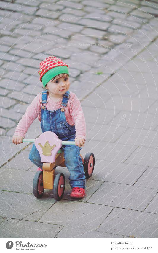 Erdbeermütze VII Kind Kleinkind Mädchen ästhetisch Kindheit Kindergarten Kindheitserinnerung Kindererziehung kindlich niedlich fahren Spielen spielend