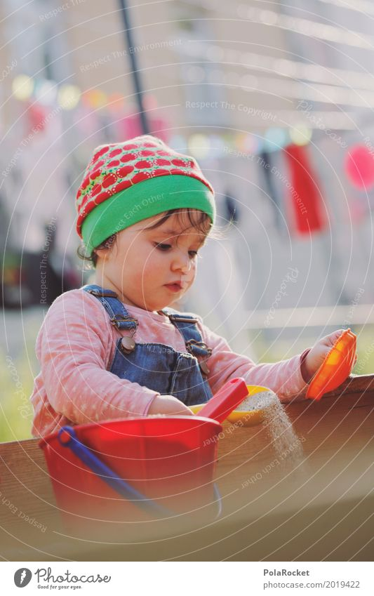 Erdbeermütze I Kunst Kunstwerk ästhetisch Sandkasten Spielen spielend Kind Kindheit Kindergarten Kindheitserinnerung Kinderspiel kindlich kinderleicht schön
