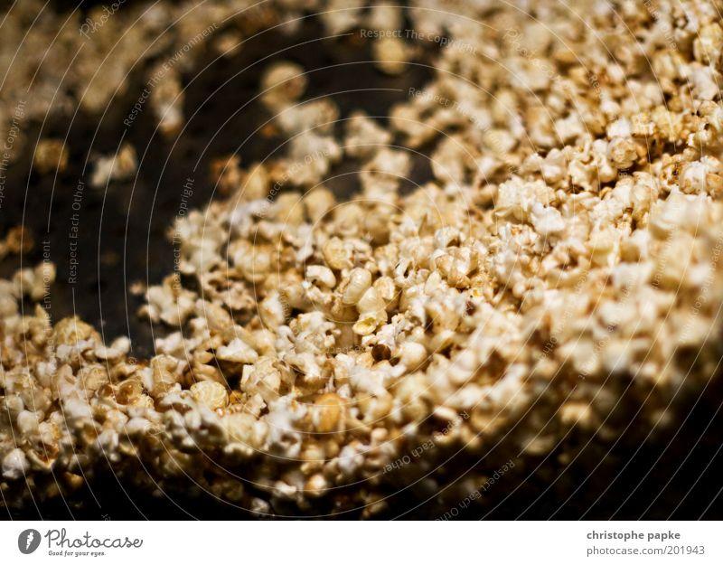 Wird n langer Abend Ernährung süß lecker Süßwaren Handel Kino Zucker Fernsehen schauen ungesund platzen Pfanne Mais Popkorn gefräßig Medien Lebensmittel