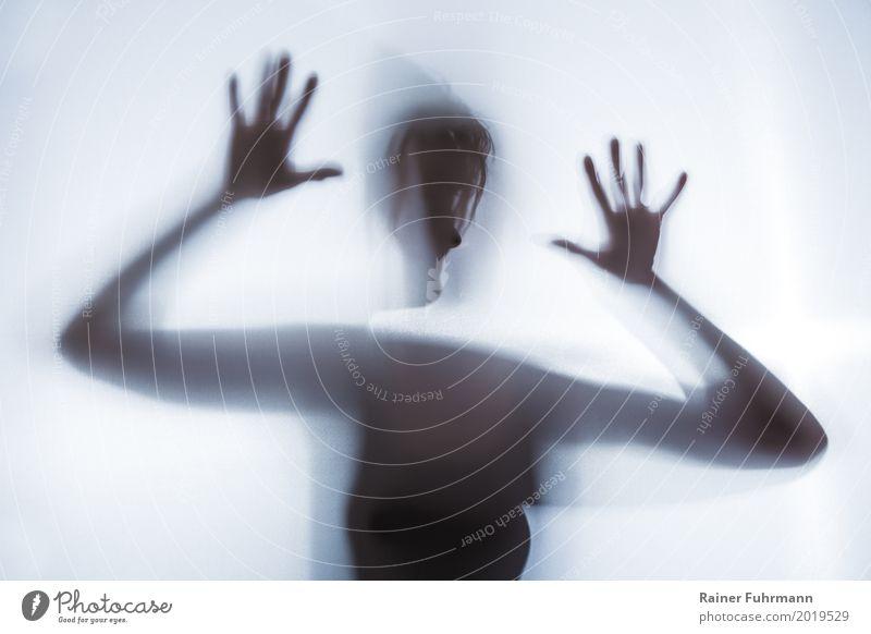 der Schatten einer Frau symbolisiert Angst und Depression Mensch Traurigkeit Gefühle feminin Stimmung bedrohlich Krankheit schreien weinen Entsetzen