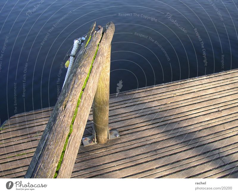 so schön hier am see... Natur Wasser alt Sonne Freude ruhig Erholung Freiheit Holz See Wellen Seil Ausflug Pause kaputt
