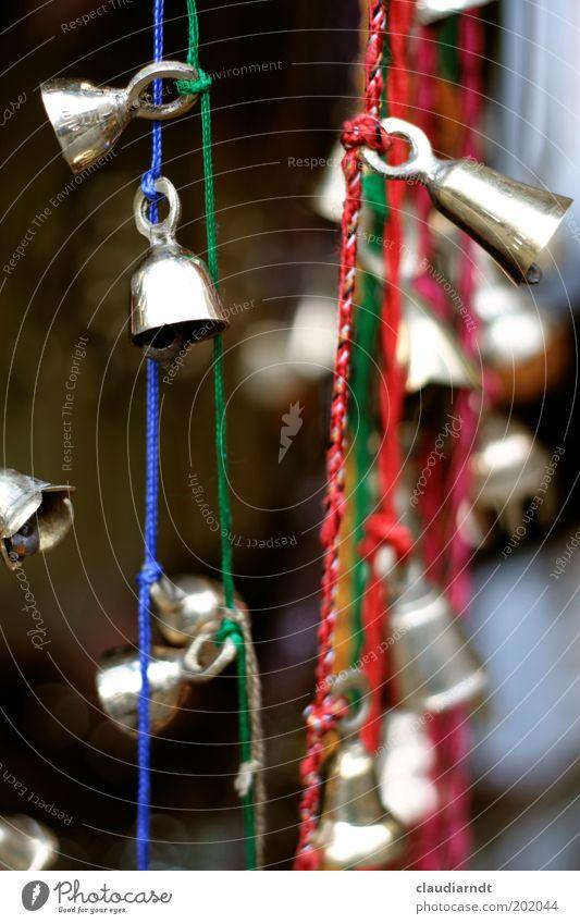 Gebimmel Spielen Dekoration & Verzierung Metall glänzend mehrfarbig gold Glocke Klingel Schnur festbinden Knoten hängen Ton Marktstand Geräusch Öse klein