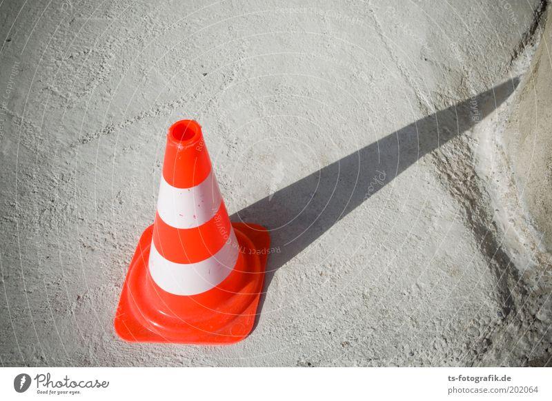 abwaschbare Sonnenuhr weiß Farbe grau Stein Wege & Pfade orange Beton Verkehr Sicherheit bedrohlich Zeichen Kunststoff Hinweisschild Verkehrszeichen Verkehrsleitkegel
