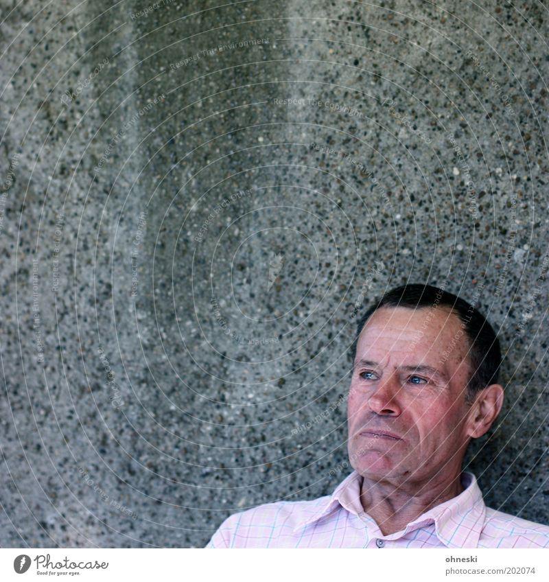 Gedanken Mensch alt Gesicht Senior Leben Wand Kopf Zufriedenheit maskulin gut Porträt Weisheit geduldig Betonwand 60 und älter