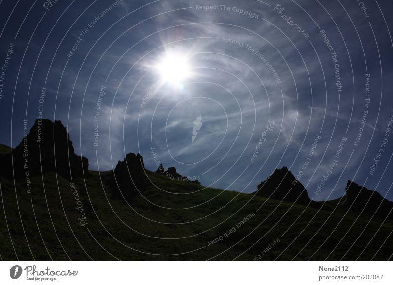 Walking on the moon? Landschaft Frankreich Himmel Abend Sonne Auvergne Licht Berge u. Gebirge blau Menschenleer Wolken