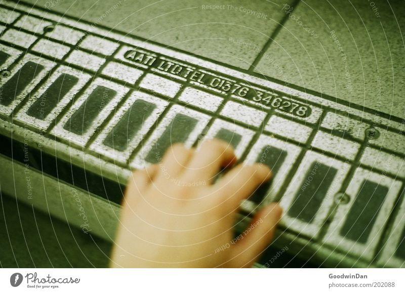 Londoner Treppenpiano Hand Freude Spielen Schilder & Markierungen außergewöhnlich Ziffern & Zahlen berühren entdecken Klaviatur Klavier Mensch