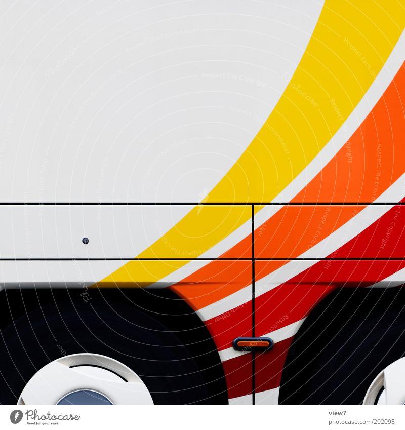 Turbo Fahrzeug Bus Reisebus Metall Linie Streifen groß modern neu positiv Klischee weiß Kraft Design Mobilität Dienstleistungsgewerbe Regenbogen Rad Reifen