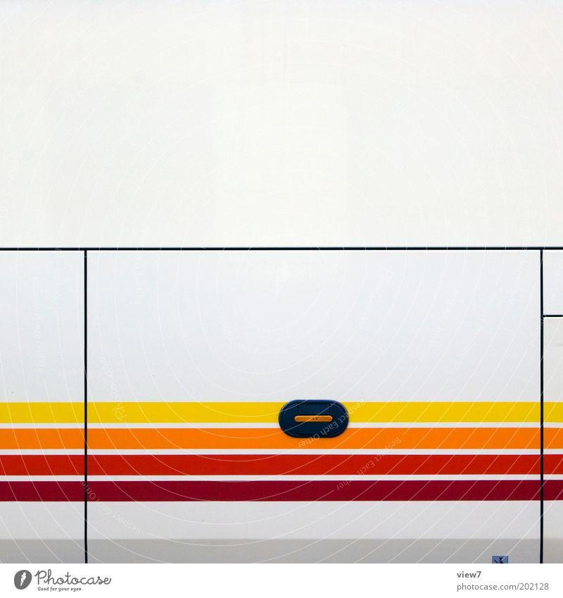 Turbo squit Verkehr Fahrzeug Bus Reisebus Metall Kunststoff Zeichen Linie Streifen ästhetisch authentisch dünn einfach modern neu retro mehrfarbig gelb rot
