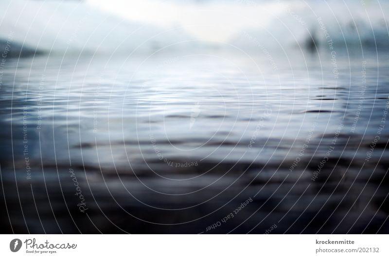 Eisbad Natur Wasser Meer blau Winter Ferien & Urlaub & Reisen Einsamkeit kalt See Wellen Küste Umwelt nass Horizont Hügel Seeufer