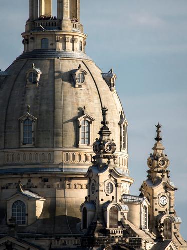 Besucher on top Mensch Stadt schön Architektur Gebäude Tourismus Ausflug elegant Kirche Kultur historisch Turm Dach Bauwerk Sehenswürdigkeit Skyline