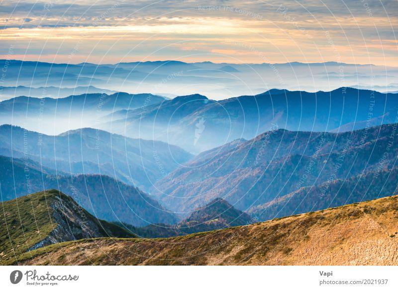 Blaue Berge und Hügel bei Sonnenuntergang Himmel Natur Ferien & Urlaub & Reisen blau Sommer Farbe schön grün weiß Landschaft rot Wolken Ferne Wald