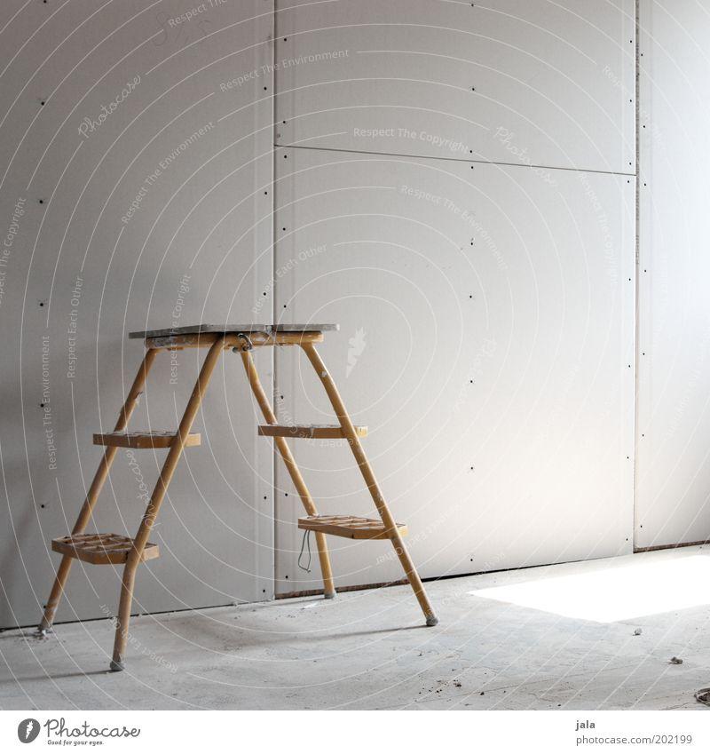 umbau gelb Wand grau Raum Baustelle Leiter bauen Renovieren Lichteinfall Bildart & Bildgenre Modernisierung Trittleiter