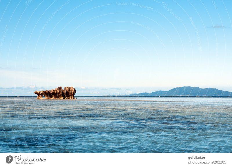 fels, meer und stille Himmel Natur Wasser blau Sonne Ferien & Urlaub & Reisen Sommer Meer Strand ruhig Einsamkeit Ferne Erholung Freiheit Umwelt Küste