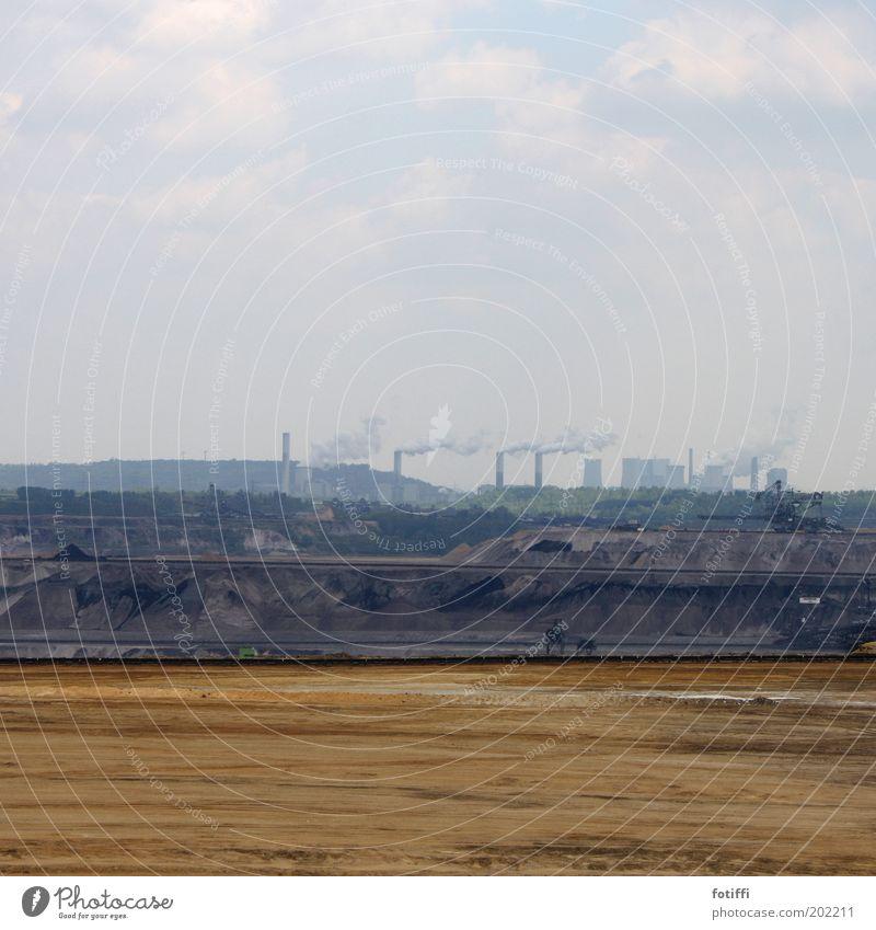 garzweiler 2.2 Himmel blau Wolken gelb Sand braun Erde Macht Fabrik Unendlichkeit Rauch Urelemente Schornstein Zerstörung Stromkraftwerke Bagger