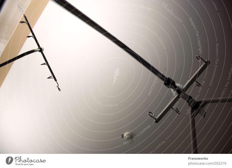 Hospitalhimmel Decke Bildausschnitt Anschnitt Stab Möbel Zimmerdecke Gestell Krankenpflege Krankenbett Krankenzimmer Medizinisches Instrument