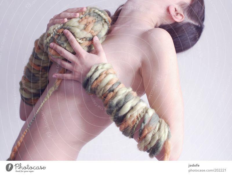 Leitfaden Frau Mensch Hand Jugendliche Akt grün Erotik nackt feminin Körper Haut Erwachsene Arme festhalten Seite Nähgarn