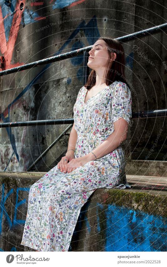 The girl in the dress (5) Mensch feminin Junge Frau Jugendliche Erwachsene 1 18-30 Jahre Mauer Wand Fassade Mode langhaarig Stein Beton blau grau rot