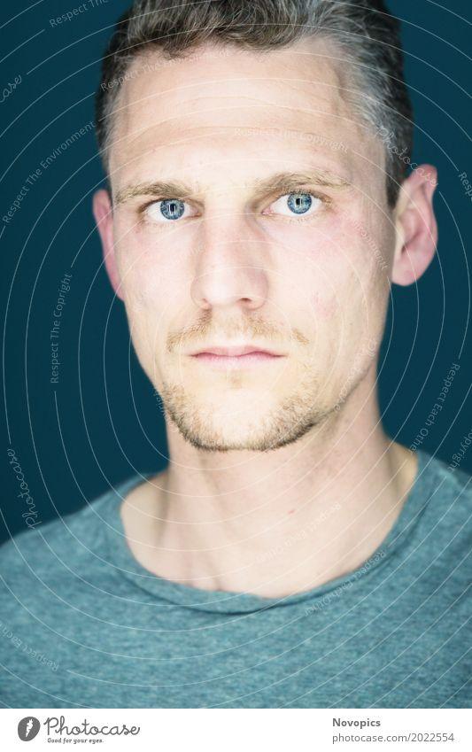 """Norman Self-Portrait Mensch maskulin Mann Erwachsene Kopf 1 18-30 Jahre Jugendliche Kraft Willensstärke Mut Tatkraft Self-Portrat """"Gesicht Face Augen Eyes blue"""