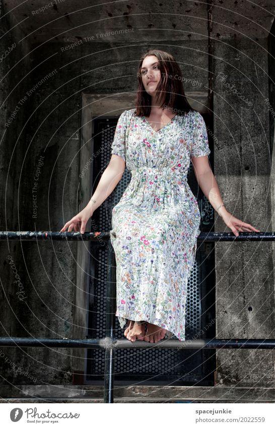 The girl in the dress Mensch feminin Junge Frau Jugendliche Erwachsene 1 18-30 Jahre Mauer Wand Treppe Fassade Mode Kleid brünett langhaarig träumen Traurigkeit