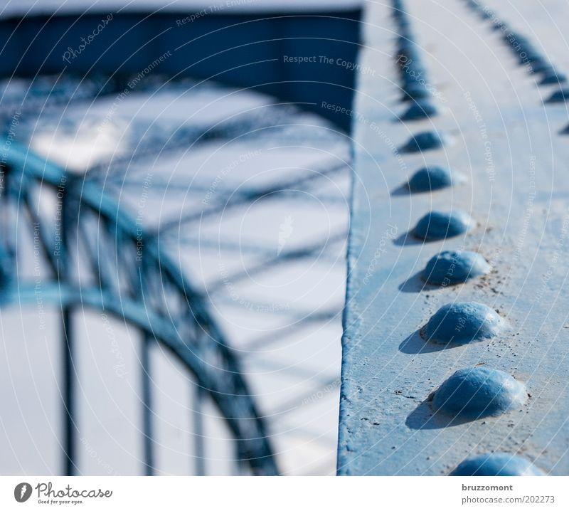 Alles Nieten! Duisburg Brücke Bauwerk Verkehr Verkehrswege Metall alt historisch retro blau Farbfoto Gedeckte Farben Außenaufnahme Detailaufnahme Menschenleer
