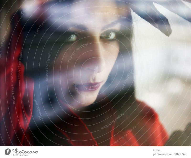 . Mensch Frau schön Einsamkeit dunkel Erwachsene Leben feminin Zeit warten beobachten Neugier Sicherheit Kleid Vertrauen Leidenschaft