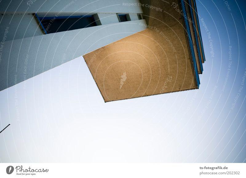 Turmspringen Himmel blau oben Architektur grau Linie Beton hoch Schönes Wetter Balkon Wolkenloser Himmel stagnierend Bremen Überwachung Plattform