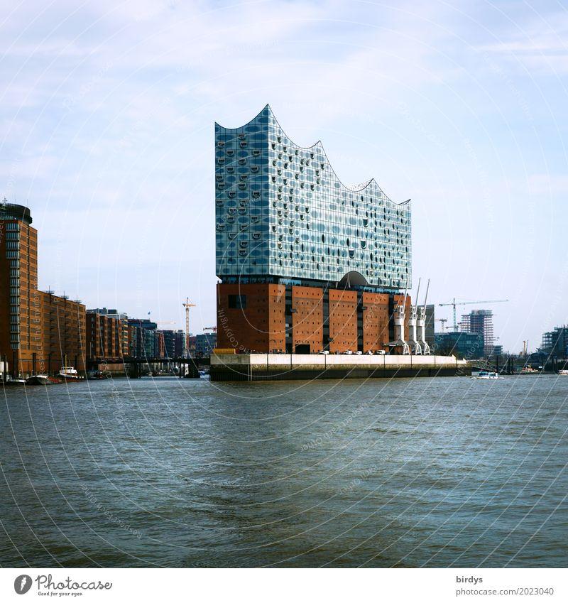 Touristenmagnet Tourismus Städtereise Architektur Kultur Musik Wasser Himmel Fluss Elbe Hamburger Hafen Sehenswürdigkeit Wahrzeichen Elbphilharmonie