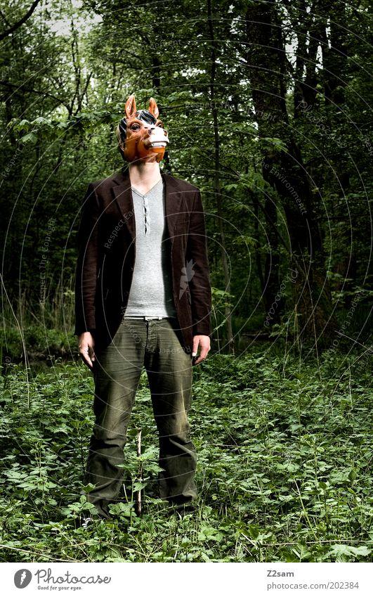 Sturkopf Mensch Natur Tier Wald Umwelt dunkel Denken träumen außergewöhnlich maskulin Macht bedrohlich Pferd Maske gruselig Hose
