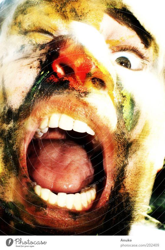 Gesicht maskulin 1 Mensch Kunst Dreitagebart Gefühle Euphorie Schmerz Aggression ästhetisch Farbfoto Außenaufnahme Experiment Tag Porträt Vorderansicht Schielen