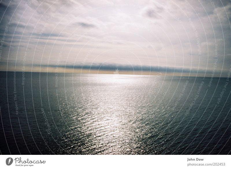 Meer wollen! Natur Wasser Ferien & Urlaub & Reisen Meer Wolken Ferne Freiheit Horizont glänzend frei Sehnsucht Unendlichkeit Fernweh Lichtspiel Lichtbrechung Wasseroberfläche