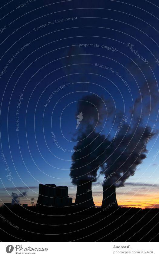 dunkle Wolken Himmel blau Umwelt Energie Industrie Energiewirtschaft Klima Rauch Abgas Wirtschaft Abenddämmerung Umweltschutz Umweltverschmutzung Klimawandel