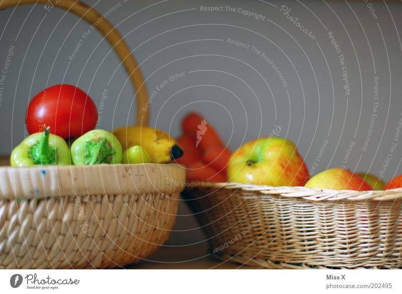 bei Omma lebt sichs gesund Ernährung Gesundheit Lebensmittel Frucht frisch Marktstand Apfel Gemüse lecker genießen Stillleben Abendessen Tomate Diät Vitamin Bioprodukte
